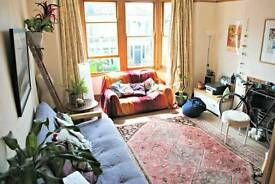 Double room in a big sunny flat