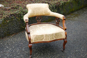 VICTORIAN MAHOGANY LOW BACK TUB CHAIR