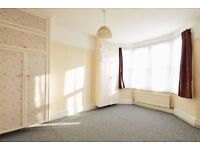 3 Bedroom Flat Available Now (Just Added No Deposit Required)