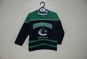"""""""Canuck's"""" jersey Size 3"""