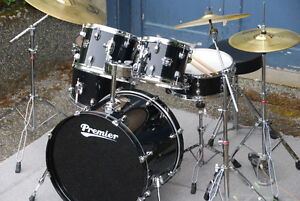 EXCELLENT PREMIER DRUM SET – COMPLETE AND READY TO PLAY!
