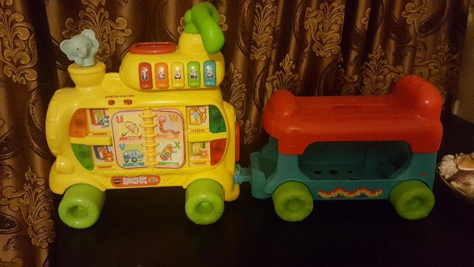 Children ABC train