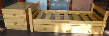 Single Bunkers timber bed with drawers. Stepney Norwood Area Preview