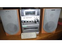 Sony Mini Hi Fi System with Speakers and Remote control. Excellent condition.