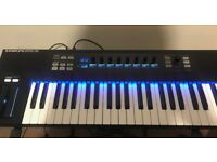 Native Instruments Komplete Kontrol S49 Boxed