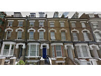 Lovely one bed flat on the second floor available in Kilburn, HB and DSS accepted.