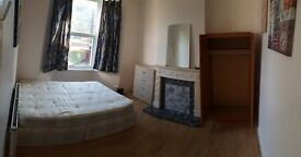 Nice double room Canning town area