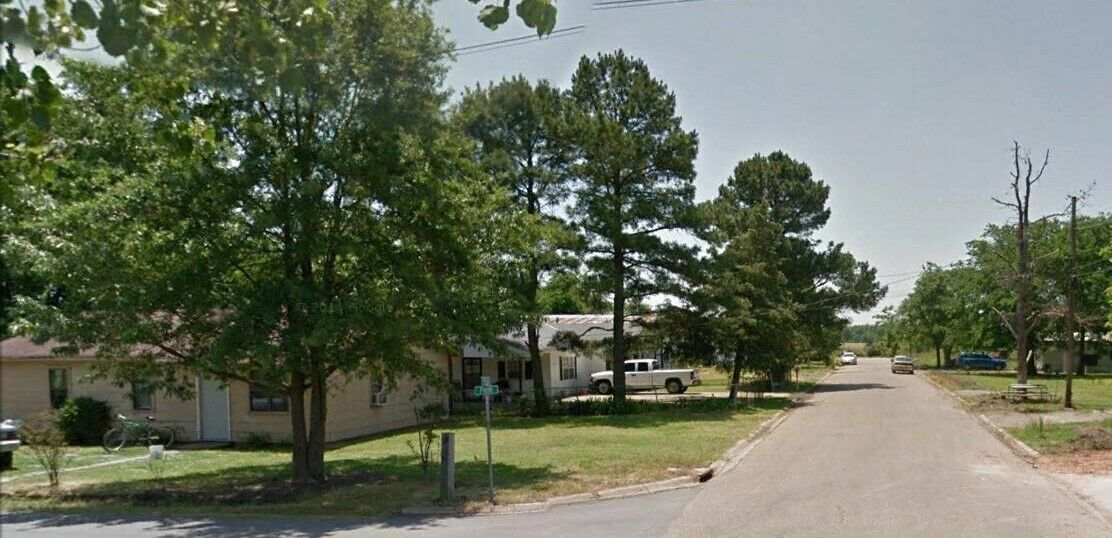 VACANT LAND IN AKRANSAS WITH ALL UTILITIES SEWER RESIDENTIAL -NO RESERVE - $134.50