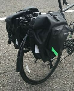 Sac pour vélo - Bike bag Saddle Pannier--2 pour 115$  NEUF NEW