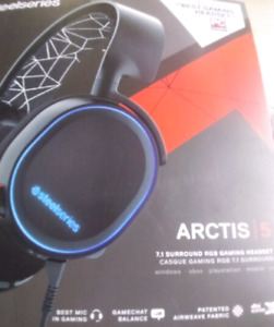 Steelseries arctis 5 headset xbox one and ps4 only NEW