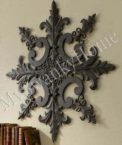 Large Neiman Marcus Ornate Baroque Wall Medallion Art