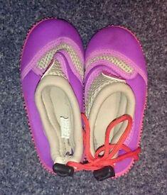 Size 7 child's shoes