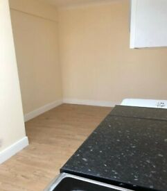 Studio Flat to Rent on High Road, Chadwell Heath, Romford RM6. All Bills Included