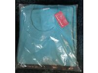 Brand new turquoise v-necked jumper, size 24/26