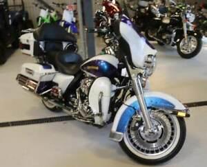 2010 Harley-Davidson FLHTCU Electra Glide