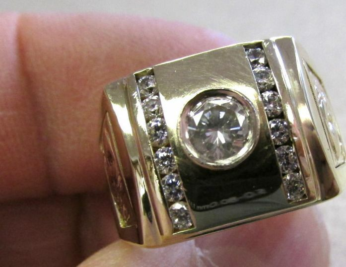 Diamond & Clear Stone  Lsu  Ring Tigers On Sides 14k Gold Size 10  Make Offer
