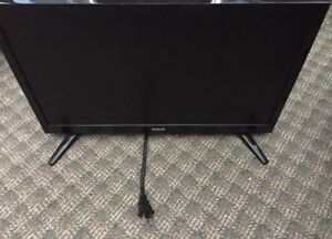 19 inch RCA Screen TV  year-old works perfect