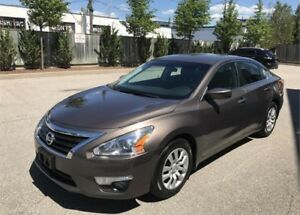 2013 Nissan Altima 2.5 S - SAFETIED ! Clear title ! Mint !