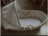 Baby Moses basket with a mattress and sheets
