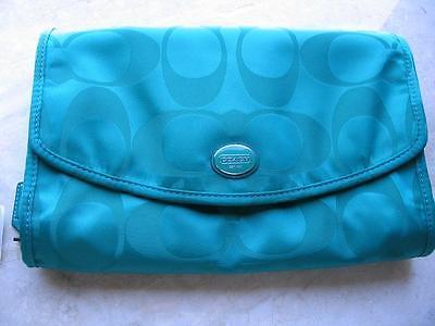 Coach Travel Cosmetic Kit Case Signature Nylon Bright JADE Many Uses!