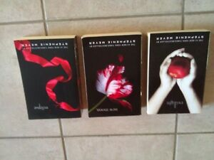 Set of 3 Novels Twilight, New Moon, Eclipse Paperback London Ontario image 3