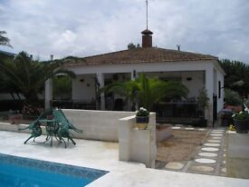 CHALET VALENCIA SPAIN AVAILABLE FOR LONG LET