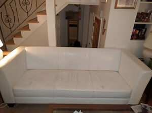 2 Structube sofas to give / 2 sofas a donner