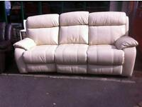 Cream leather electric reclining 3 seater sofa ex display lenth 220 debth 100 hight 100 £ 250