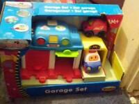 Go go drivers garage toy set