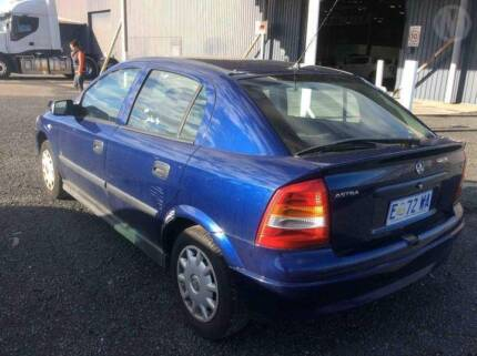 Holden Astra ts 2001 wrecking all parts