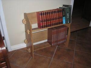 bibliothèque en bois de frêne à vendre