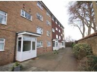 Spacious 3 Double Bedroom Maisonette to Let in Central Carshalton - Available in May 2018- £1350 PCM