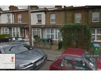 3 bedroom house in Chester Road, Watford, WD18 (3 bed)