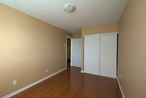 Updated 3 bedroom condo /w gas fireplace in White Oaks London Ontario image 8