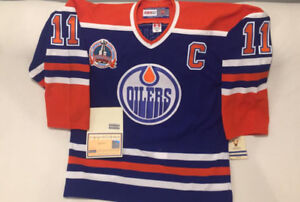 AUTOGRAPHED MARK MESSIER JERSEY