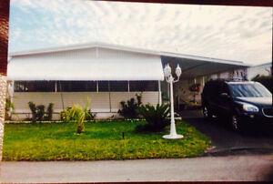 Maison mobile maison vendre dans longueuil rive sud for Club piscine rive sud