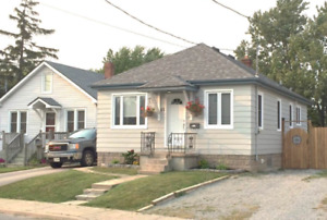 ENTIRE HOME AVAILABLE FOR RENT, LARGE BACKYARD, GREAT LOCATION