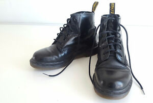 dr. martens boots and shoes mens size 6