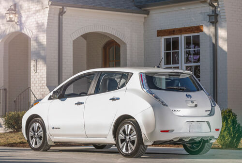 The Ongoing Race Between Pure EVs and Plug-in Hybrids