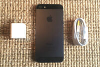 UNLOCKED Apple iPhone 5 16GB