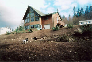 House and garage for rent Upper 1/2 in Comox May 15 or June 1