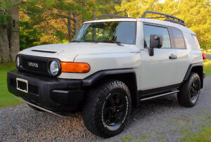 2008 TOYOTA FJ Trail Teams Edition Fully Loaded GPS  $12500