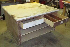 Table de travail sur roulettes 4' x 4' Workbench on casters