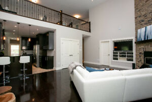 Beautiful Modern Home in sought after Wedgewood area.