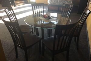 Ashley Furniture Round dining room Table w/ 6 Chairs
