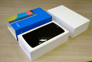 Nexus 5 / Charger / 2 Cases Barrie Ontario image 1