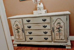 Icey Grey Chalk-finished, Lexington Furniture Sideboard
