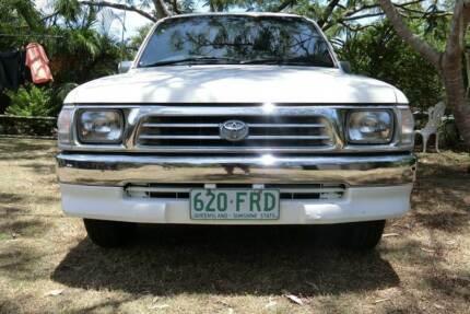 2000 Toyota Hilux Dual cab Ute Karalee Ipswich City Preview