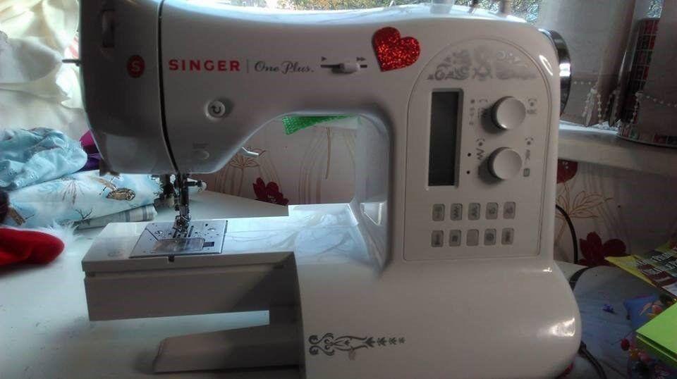 Singer One Plus Sewing Machine 40 Stitches Includes Basic Stitch Stunning Singer One Plus Sewing Machine