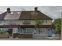 Enjoyable furnished self contained studio flats in FELTHAM TW13. MUST GO!!!